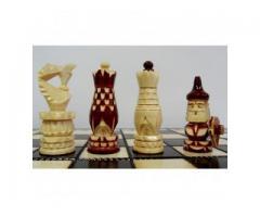 Деревянные резные шахматы 30 х 30 см. Сказочные башни