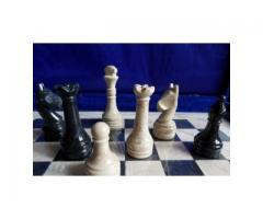 Шахматы каменные 30 см. оникс чёрный и яшмы кремовая